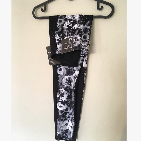 GAP Pants - High rise ankle length leggings